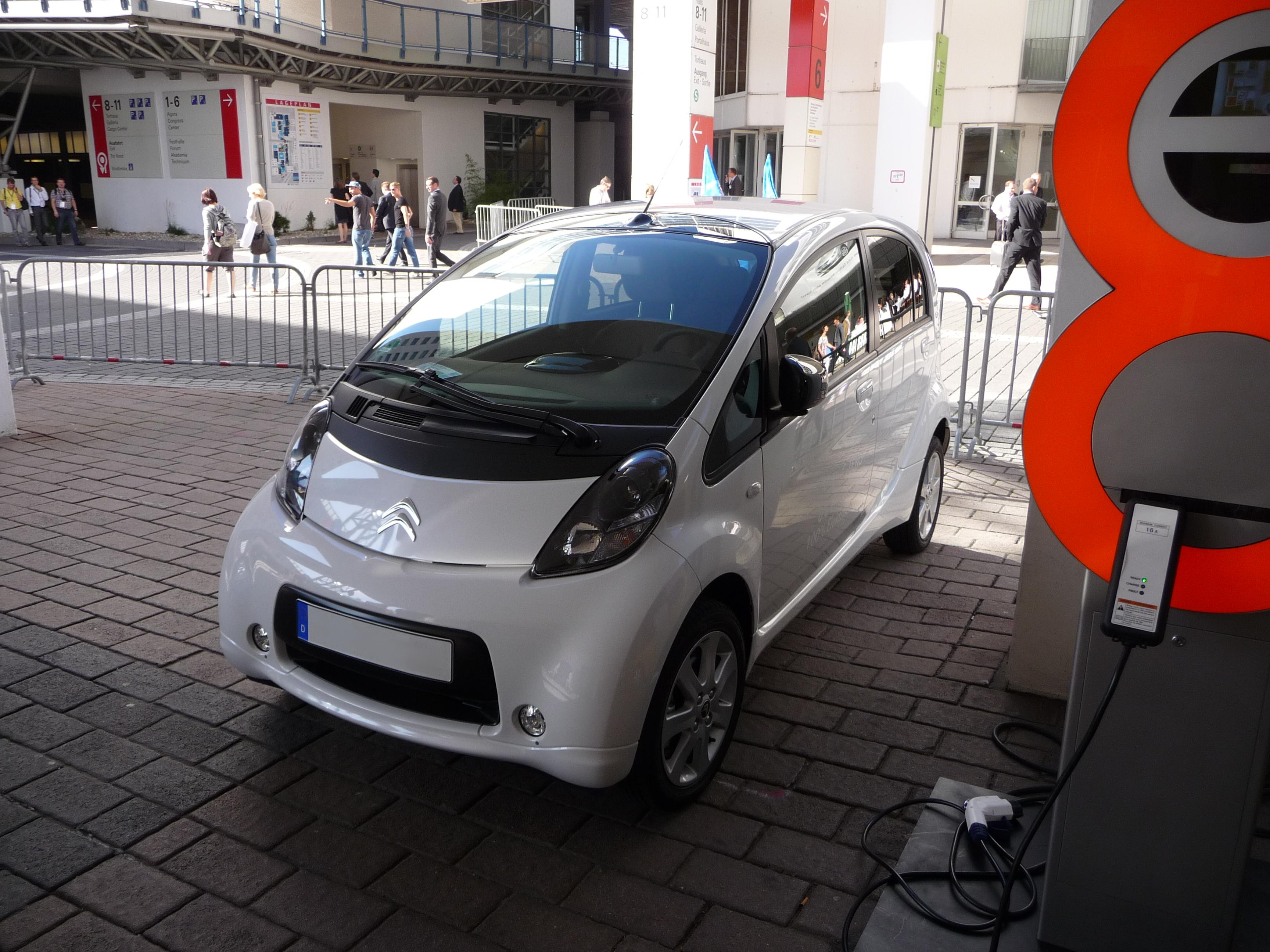 3 Elektro-Auto