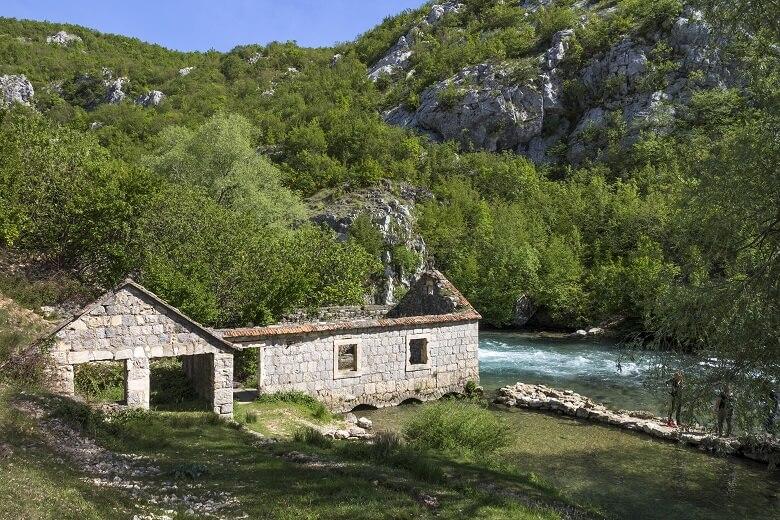 Alte Kornmühle am Ruda-Fluss in Kroatien