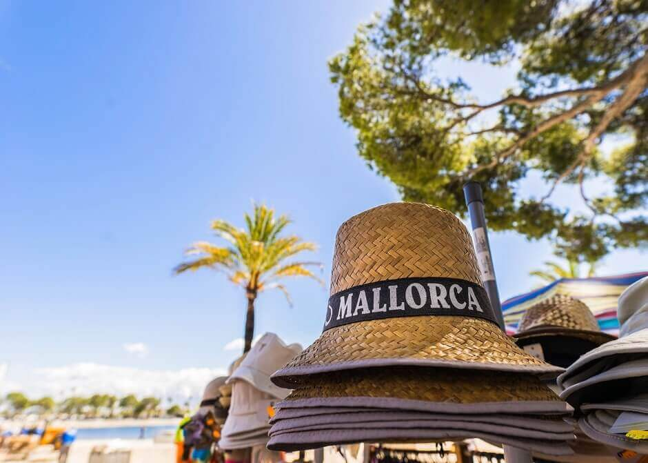 Hut mit Aufschrift Mallorca