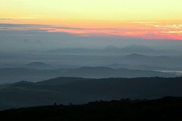 Landschaft in Sri LAnka bei Sonnenuntergang