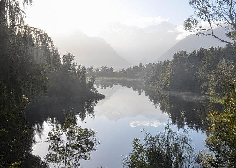 Früher Morgen am Lake Matheson