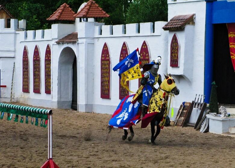 Ritter in Schloss Thurn