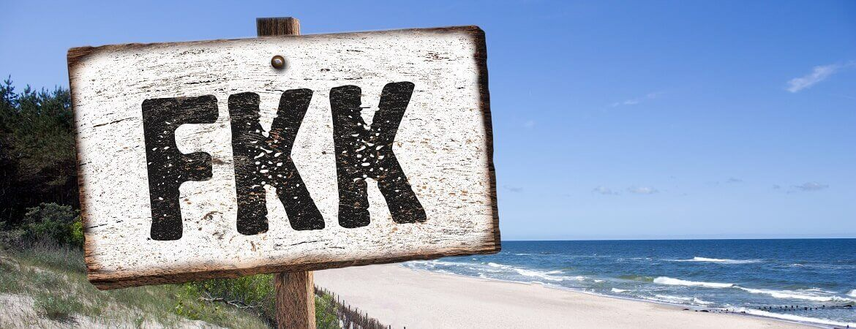 FKK-Schild am Strand