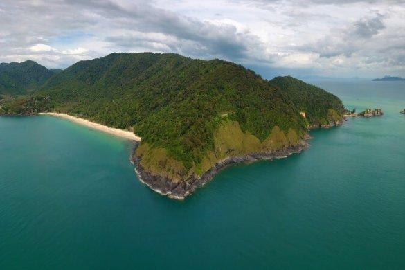Blick auf die thailändische Insel Ko Lanta