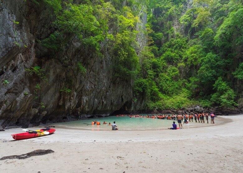 Die Emerald Cave auf Ko Mook