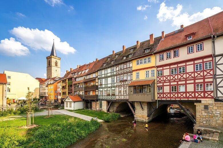 Krämerbrücke in Erfurt mit Fachwerkhäusern