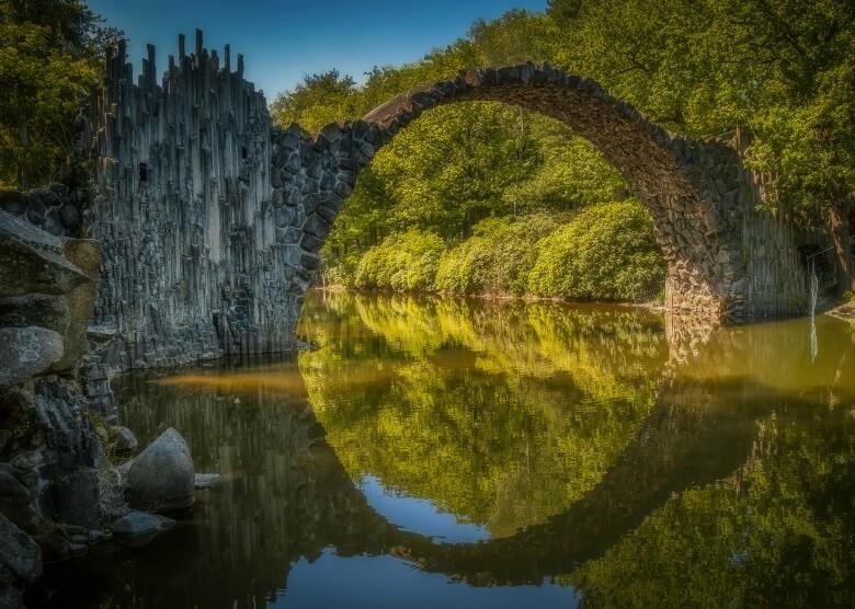 Tolles Fotomotiv: Die Rakotzbrücke