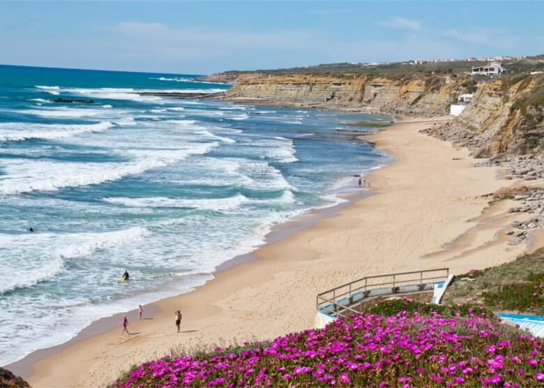 Steilküste, Sandstrand, tolle Wellen: Ericeira