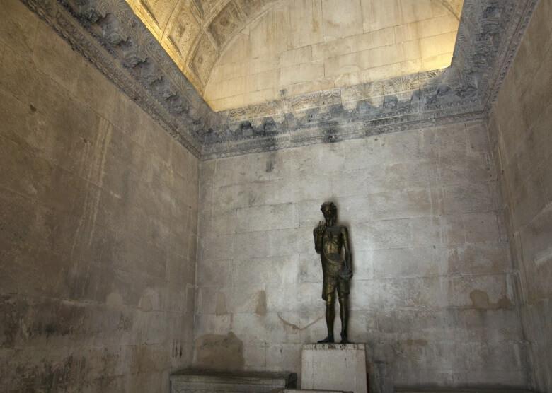 Statue im Jupitertempel