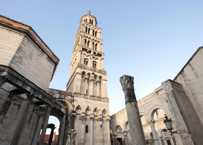 Der Glockenturm der Kathedrale im Diokletianpalast