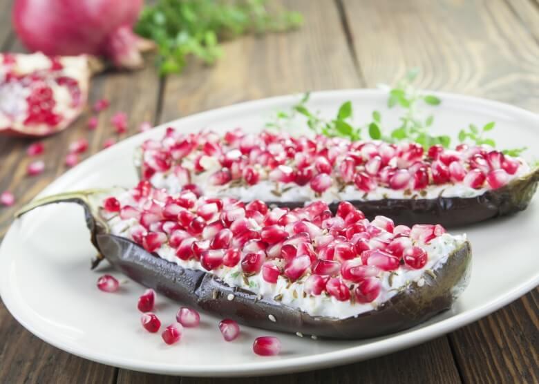 Interessante Kombination der israelischen Küche: Aubergine mit Granatapfel