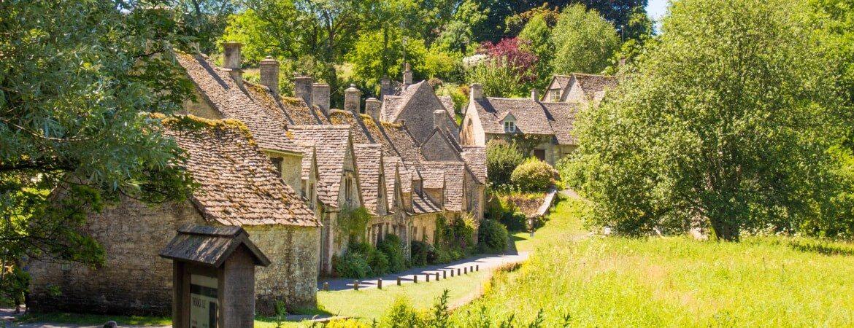 Arlington Road im englischen Dorf Bibury in Gloucestershire