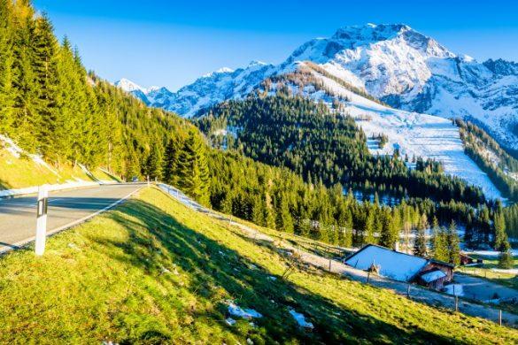 Deutsche Alpenstraße bei Berchtesgaden