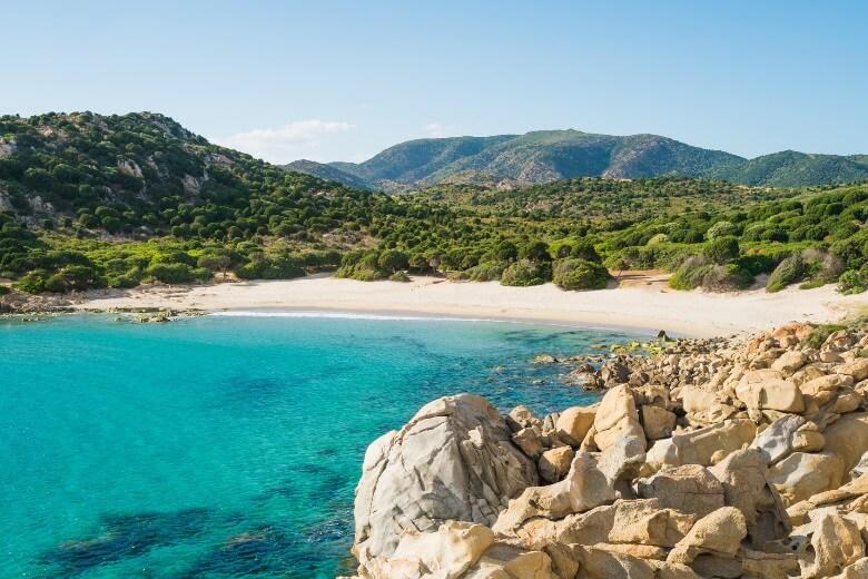 Die Ostküste von Sardinien ist ein Traumziel für Erholungssuchende
