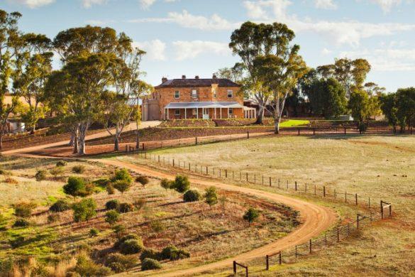 Drovers Run aus der Serie Mcleods Töchter in Australien, heute Kingsford Homestead Hotel