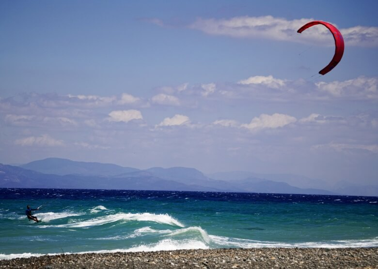 Kitesurfer vor der Insel griechischen Insel Kos