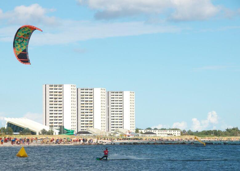 Kitesurfer am Südstrand von Fehmarn