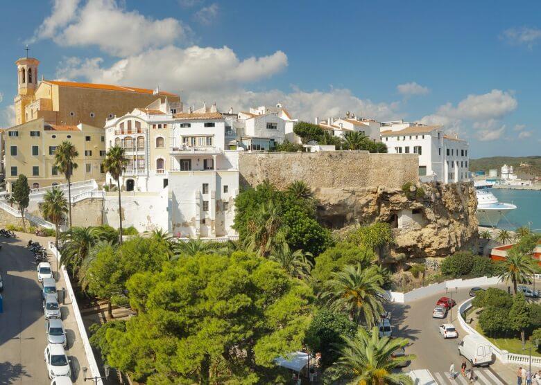 Blick auf die Hauptstadt Mahon auf Menorca
