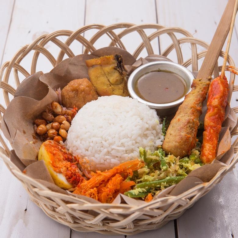 Balinesisches Gericht Nasi Campur