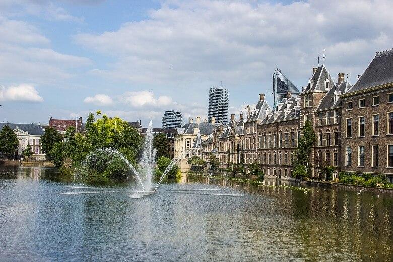 Den Haag mit dem geschichtsträchtigen Binnenhof