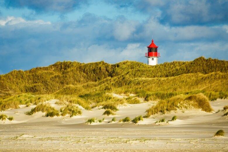 Leuchtturm am Norddorfer Strand auf der Nordseeinsel Amrum