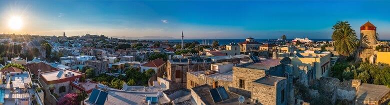 Blick über Rhodos Stadt auf der griechischen Insel Rhodos