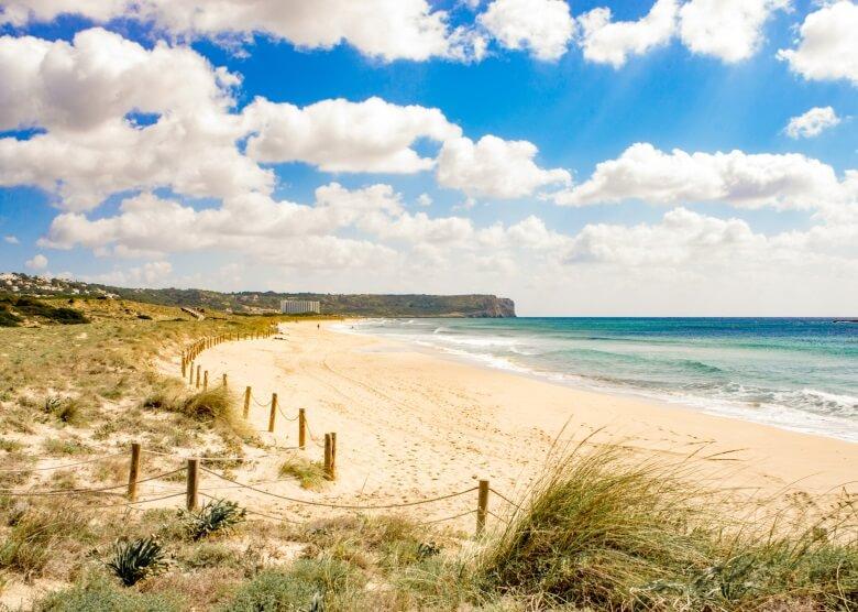 Strand Son Bou auf Menorca