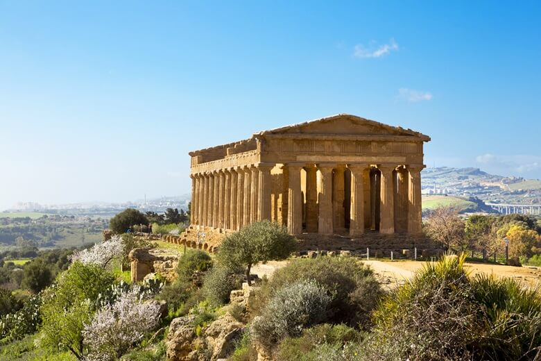 griechischer Tempel im alten Agrigent auf Sizilien