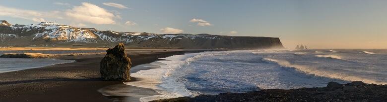 Schwarzer Strand von Vik i Myrdal auf Island