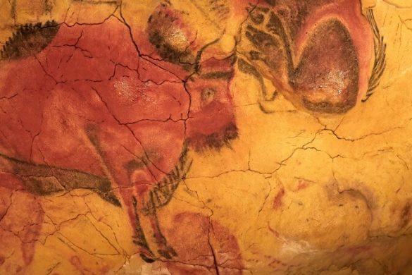 Steinzeitliche Wandmalerei in der Altamira-Höhle in Nordspanien