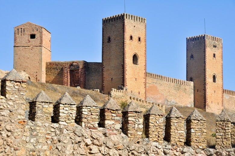 Die Burg von Molina de Aragón in Spanien