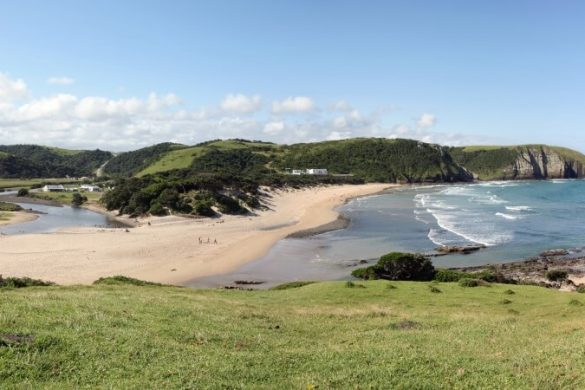 Blick über Coffee Bay an der Ostküste von Südafrika