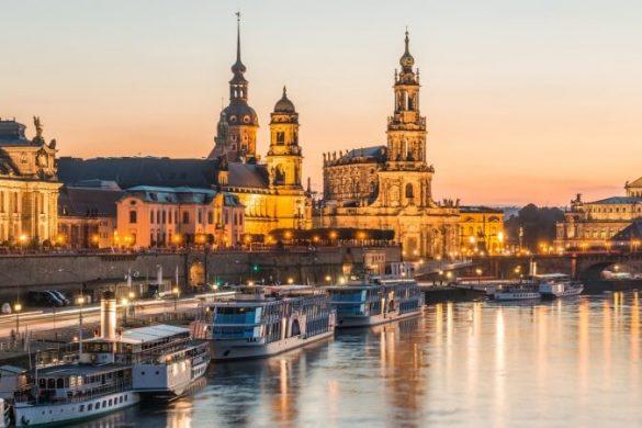 Sonnenuntergang über Dresden und der Elbe