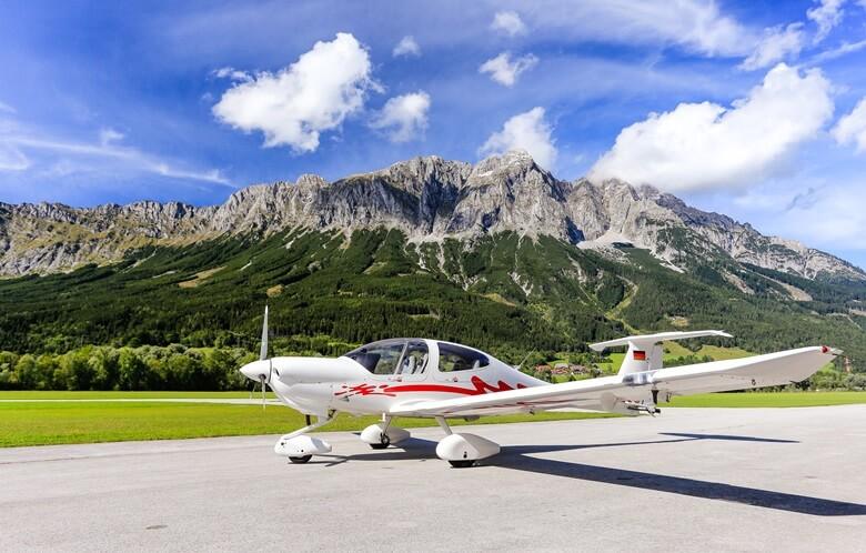 Flugplatz Niederöblarn in Ramsau am Dachstein, Österreich