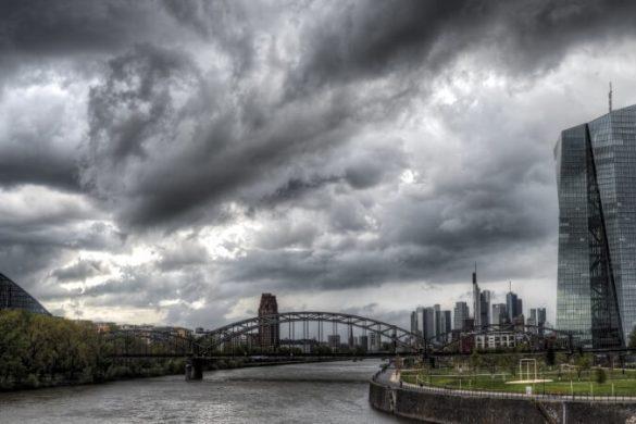 Skyline von Frankfurt bei Regen