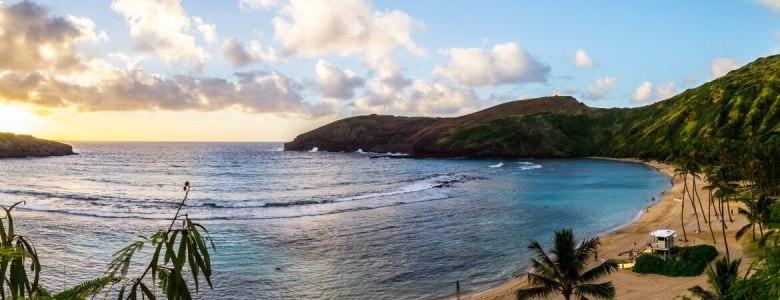 Hanauma Bay auf Hawaii bei Sonnenuntergang