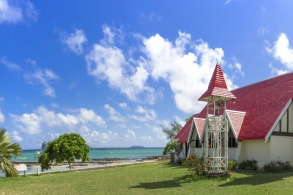 Die romantische Kapelle Notre Dame Auxiliatrice am Cap Malheureux auf Mauritius