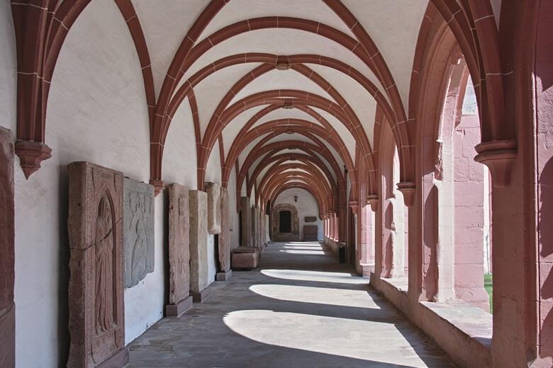 Dormitorium im Kloster Eberbach in Rheingau in Deutschland