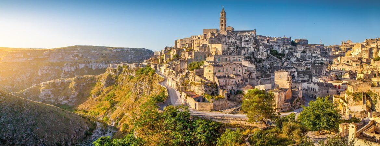 Blick auf die wunderschöne alte Stadt Matera in Italien
