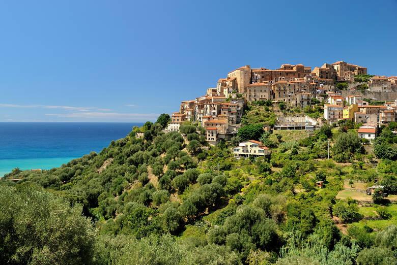 Das kleine Dorf Pisciotta, Italien