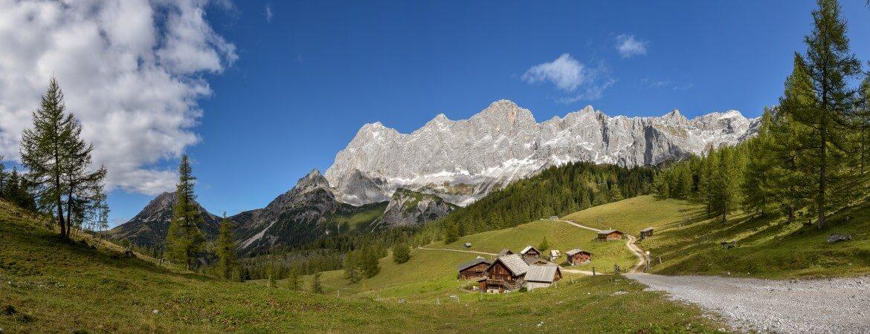 Idyllische Landschaft in Ramsau am Dachstein in Österreich