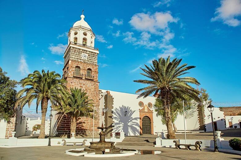 Kirche im Örtchen Teguise auf Lanzarote