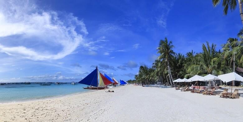 Palmenstrand White Beach auf Boracay