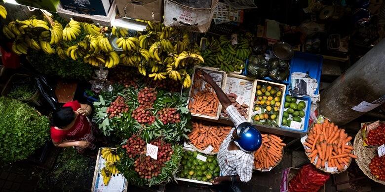 Blick auf die Obststände auf dem Zentralmarkt von Port Louis auf Mauritius
