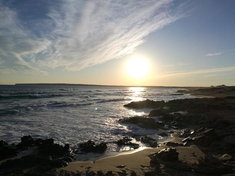 Sonnenuntergang am Strand Es Arenales auf Formentera