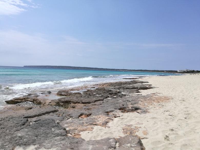 Der bekannte Strand Playa de ses Illetes auf Formentera