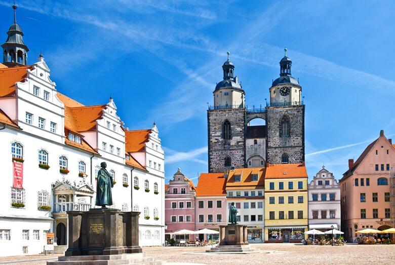Altstadtkern in der Lutherstadt Wittenberg in Ostdeutschland