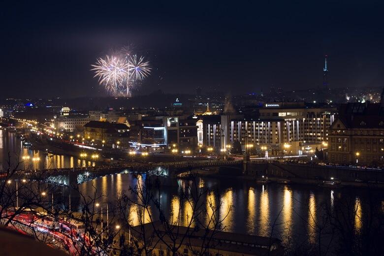 Feuerwerk über Prag
