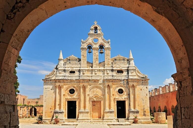 Blick auf das Arkadi Kloster auf Kreta