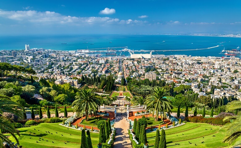 Atemberaubender Ausblick von den Hängenden Gärten in Haifa in Israel